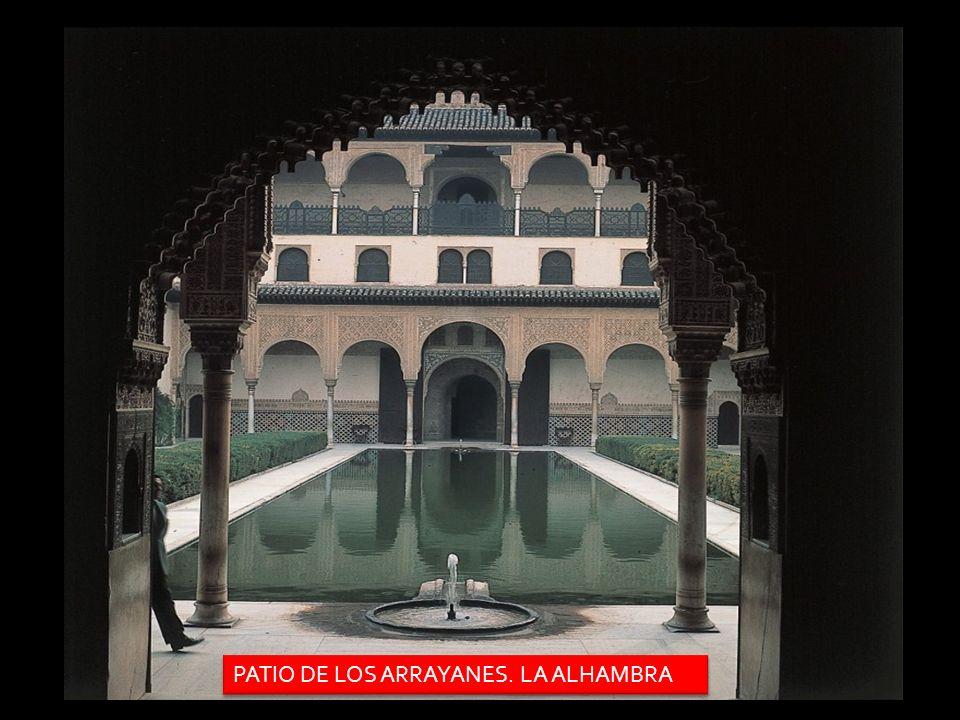 PATIO DE LOS ARRAYANES. LA ALHAMBRA