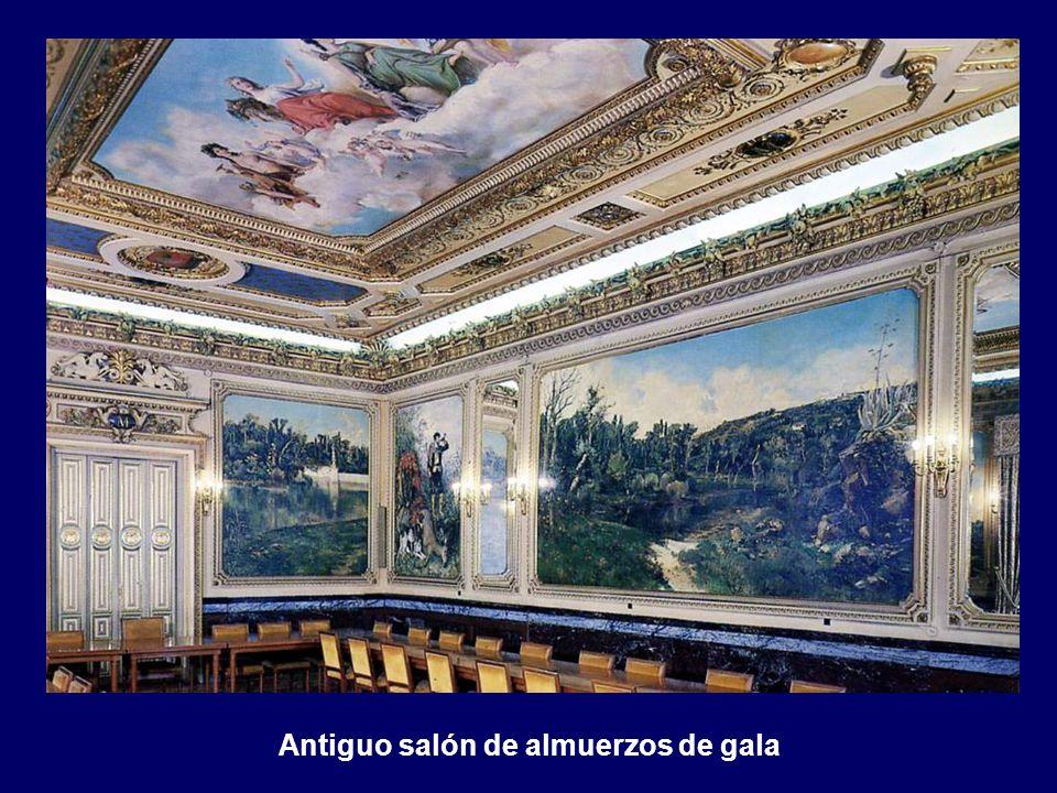 Antiguo salón de almuerzos de gala