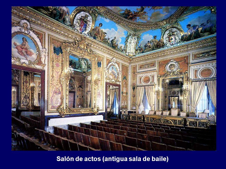 Salón de actos (antigua sala de baile)