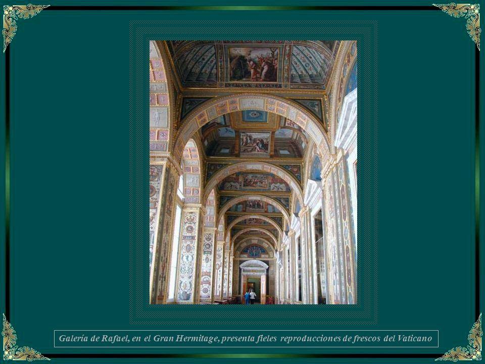 Galería de Rafael, en el Gran Hermitage, presenta fieles reproducciones de frescos del Vaticano