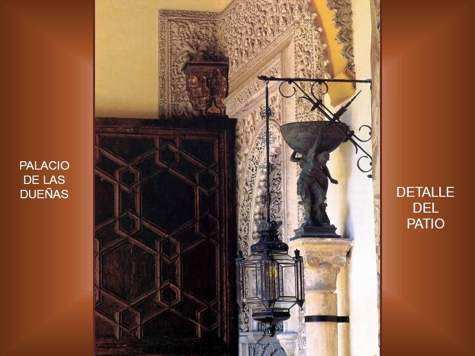 PALACIO DE LAS DUEÑAS DETALLE DEL PATIO
