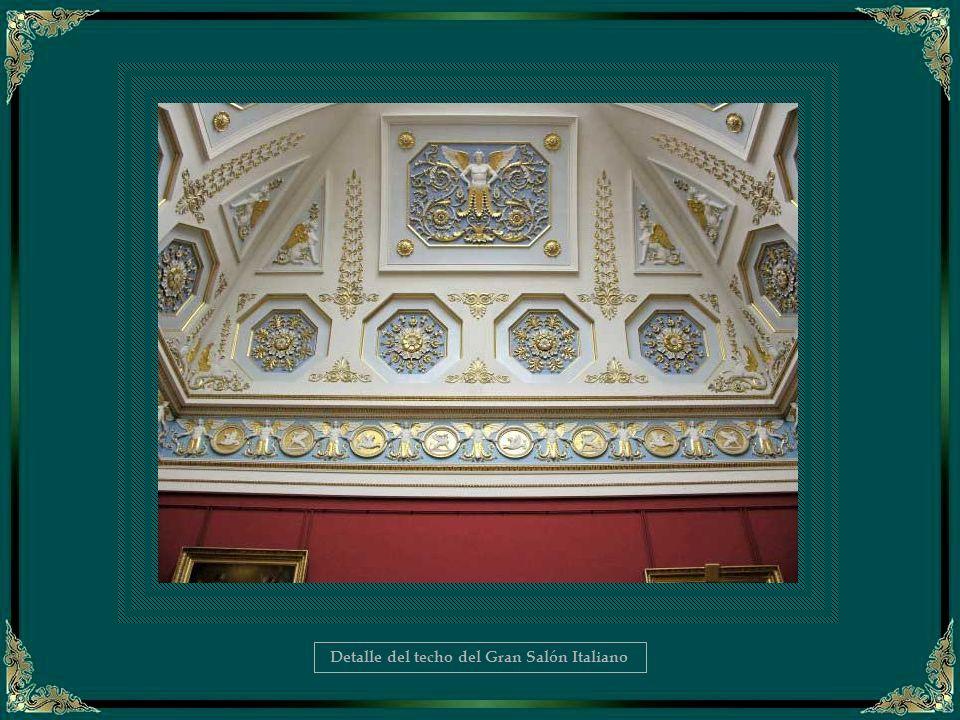 Detalle del techo del Gran Salón Italiano