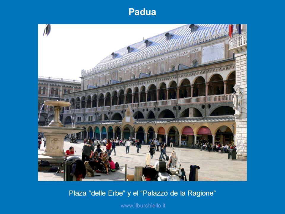 Plaza delle Erbe y el Palazzo de la Ragione