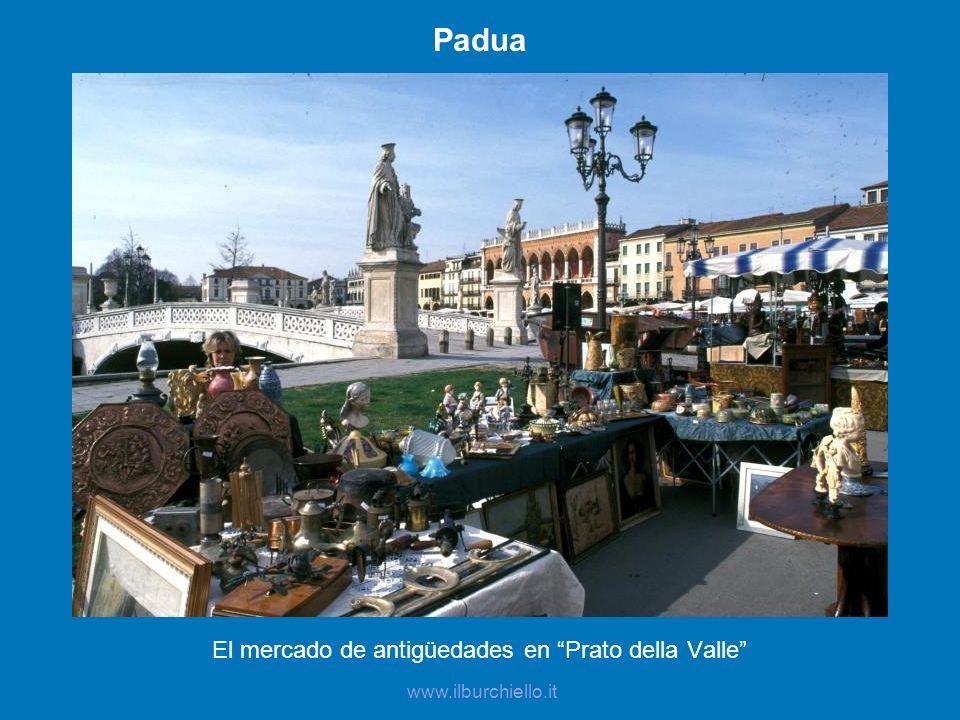 El mercado de antigüedades en Prato della Valle