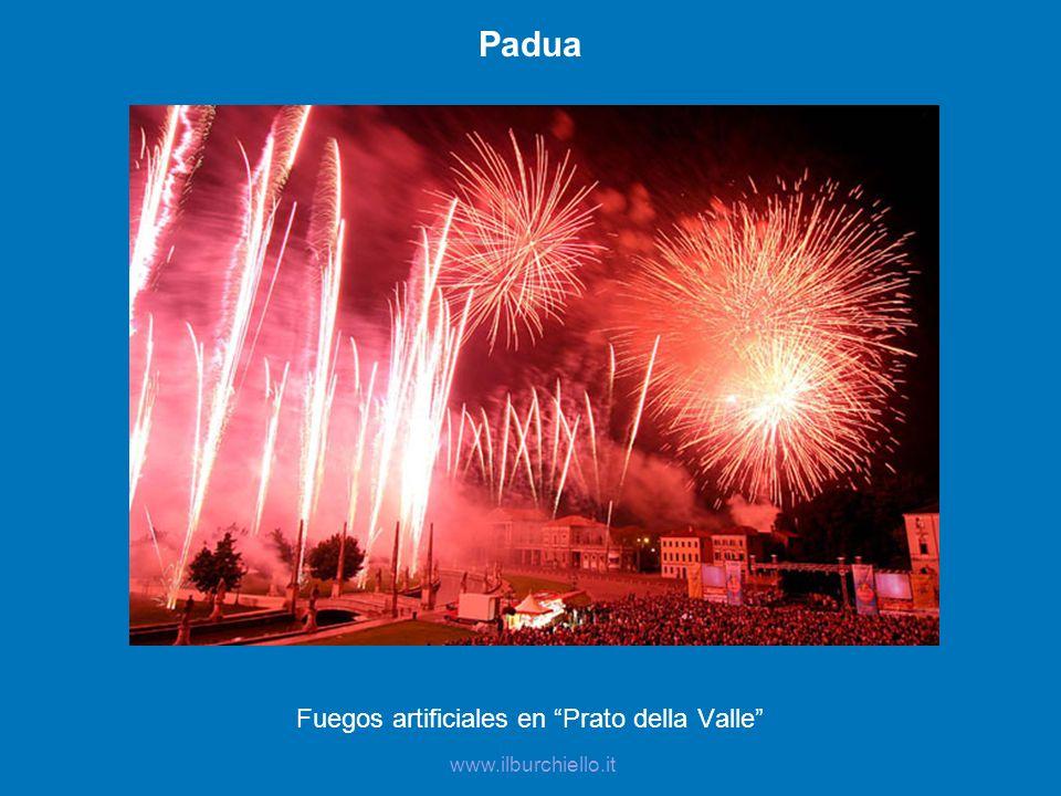 Fuegos artificiales en Prato della Valle