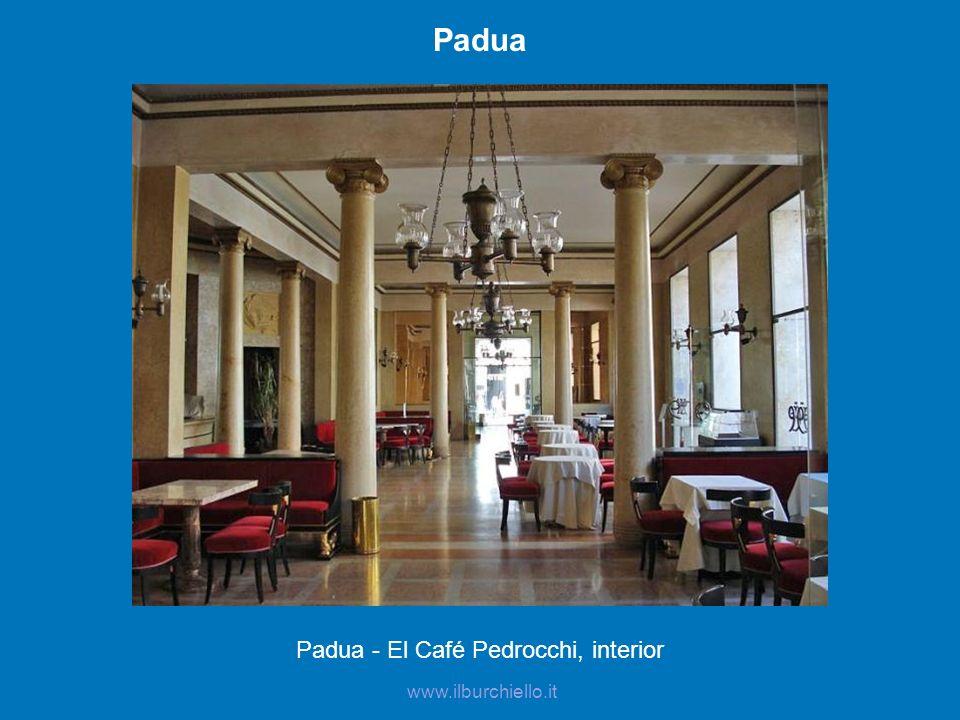 Padua - El Café Pedrocchi, interior