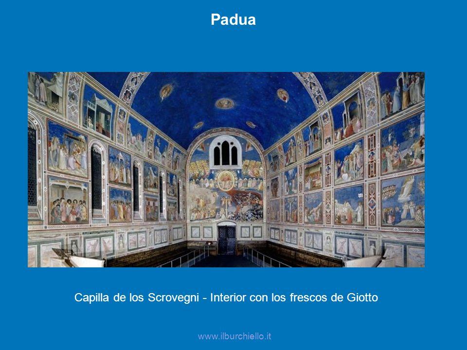 Capilla de los Scrovegni - Interior con los frescos de Giotto