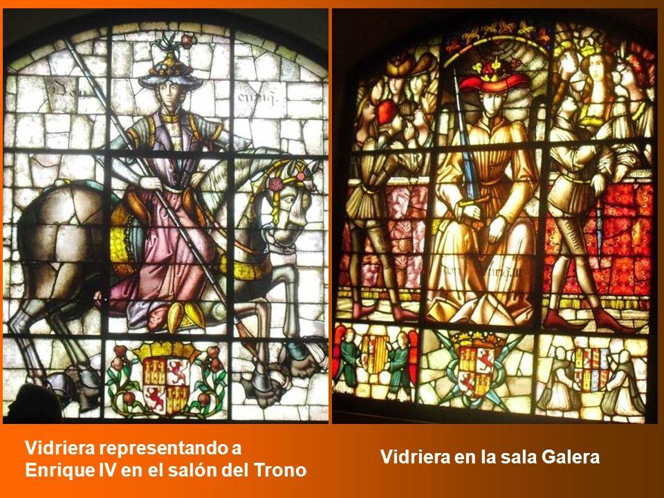 Vidriera representando a Enrique IV en el salón del Trono