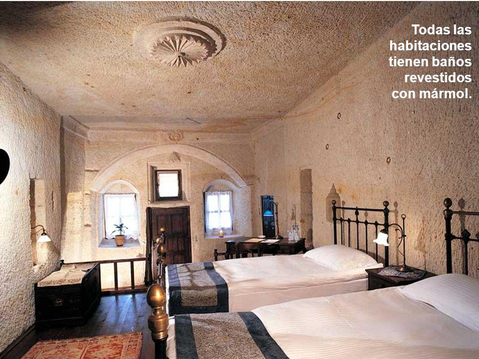 Todas las habitaciones tienen baños revestidos
