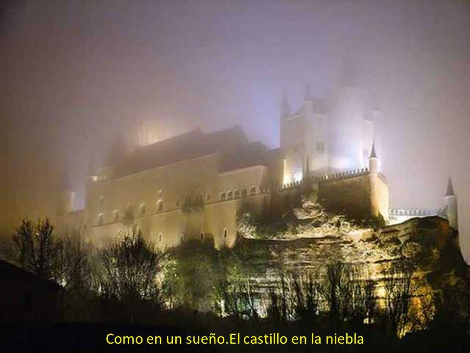 Como en un sueño.El castillo en la niebla