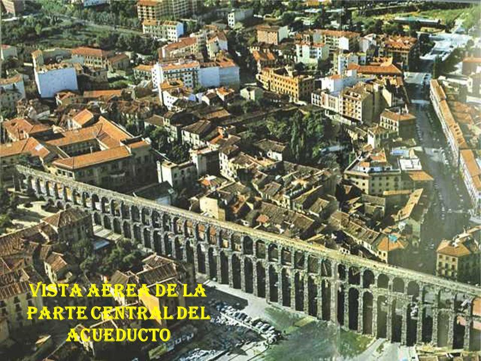 Vista aérea de la parte central del acueducto