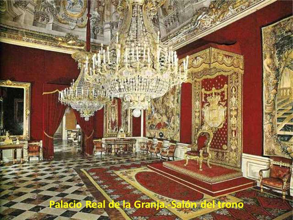 Palacio Real de la Granja.-Salón del trono