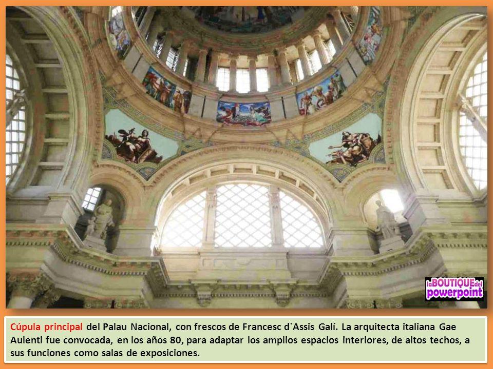 Cúpula principal del Palau Nacional, con frescos de Francesc d`Assis Galí.
