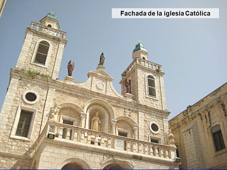 Fachada de la iglesia Católica