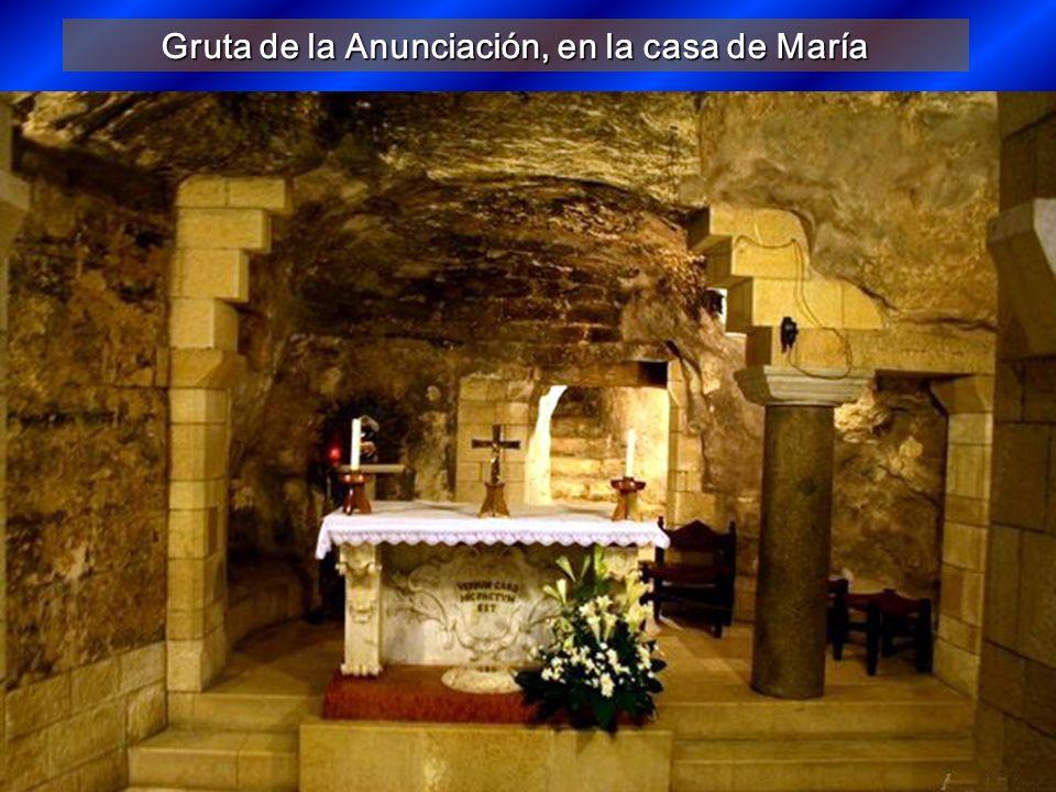 Gruta de la Anunciación, en la casa de María