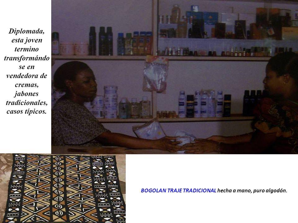 BOGOLAN TRAJE TRADICIONAL hecha a mano, puro algodón.