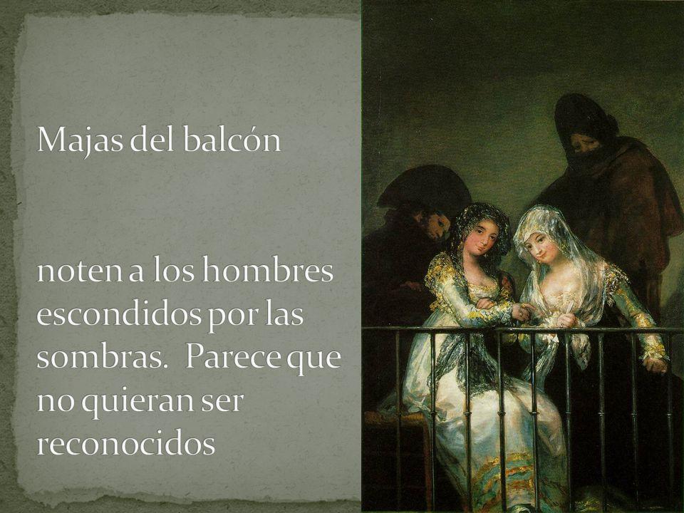 Majas del balcón noten a los hombres escondidos por las sombras