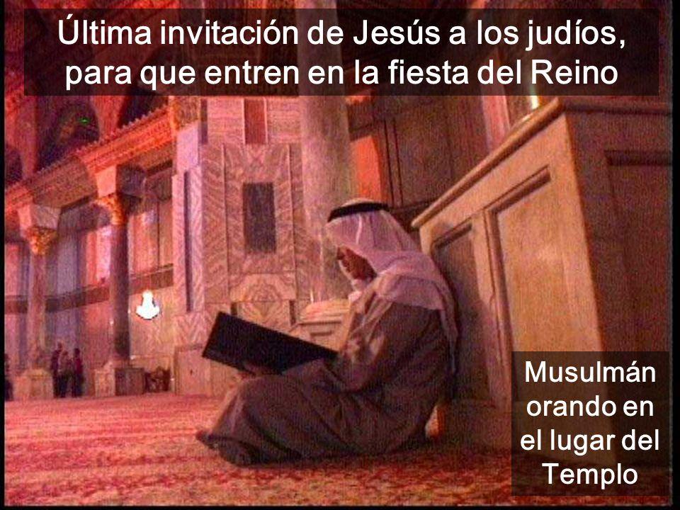 Musulmán orando en el lugar del Templo