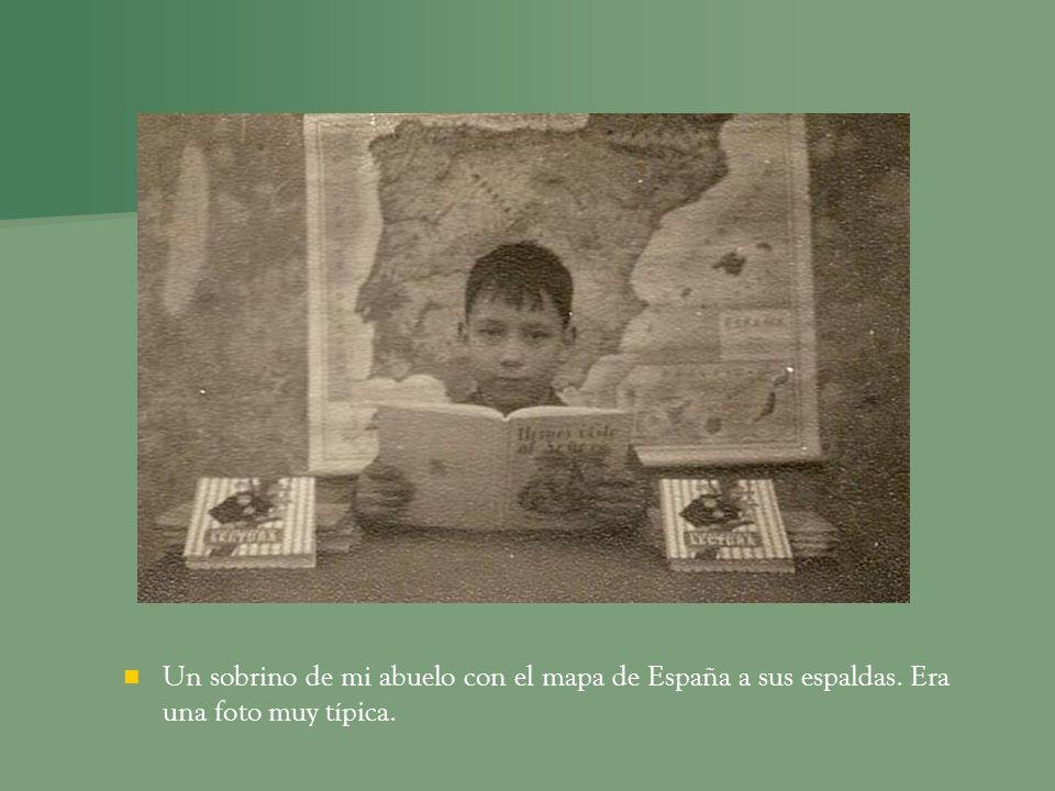 Un sobrino de mi abuelo con el mapa de España a sus espaldas