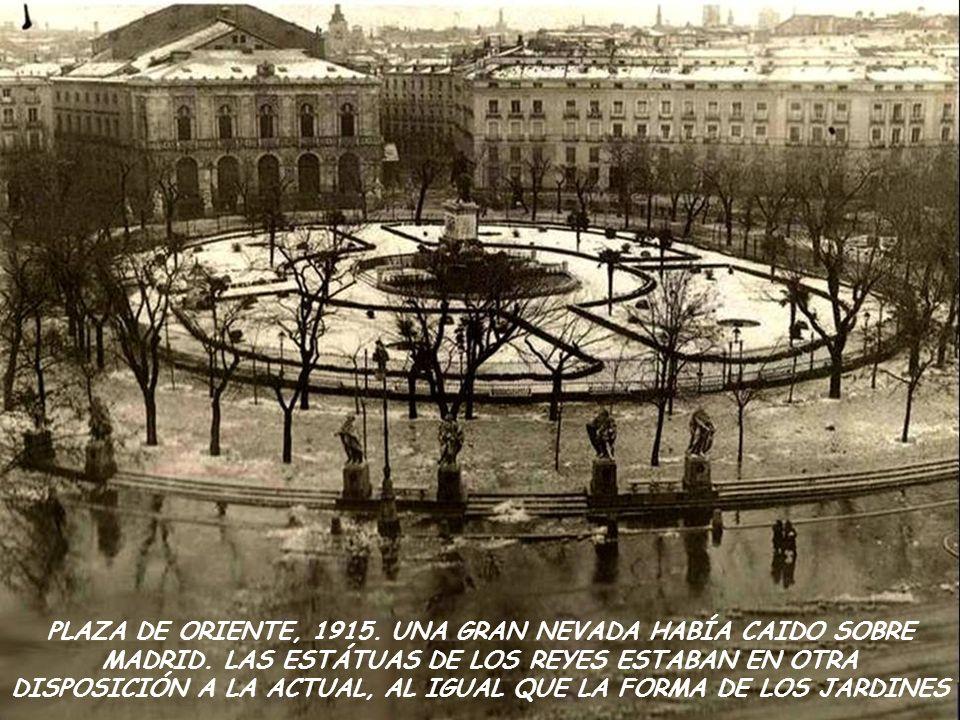 PLAZA DE ORIENTE, 1915. UNA GRAN NEVADA HABÍA CAIDO SOBRE MADRID