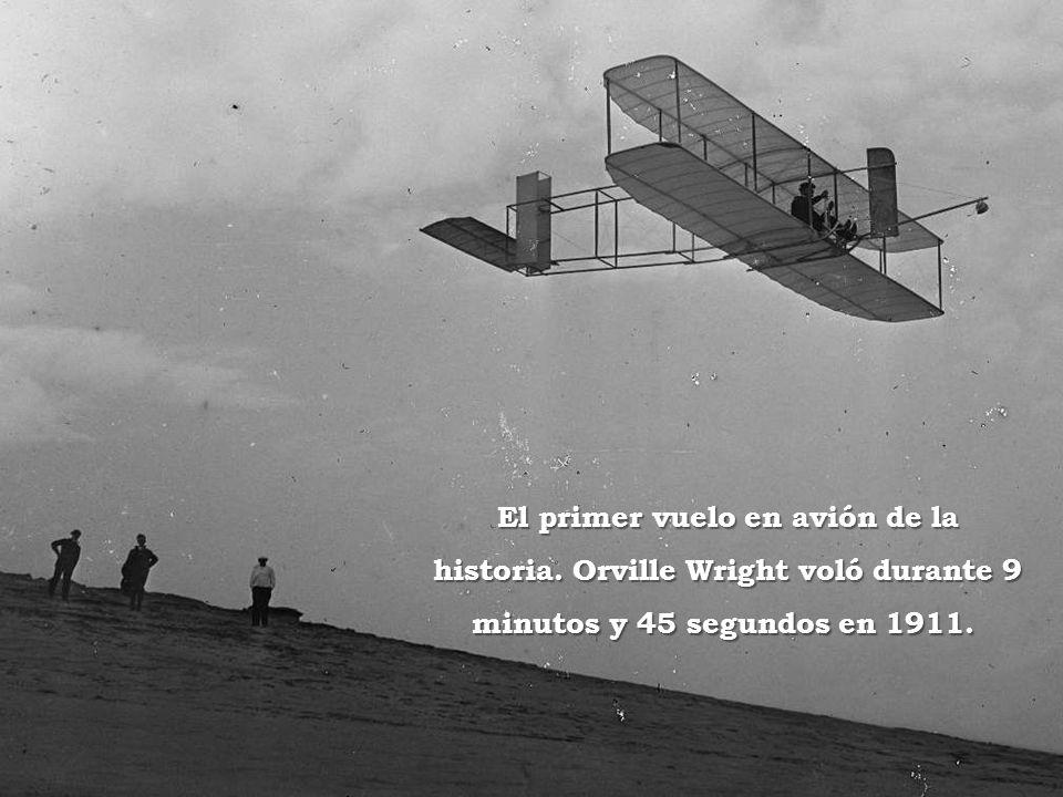 El primer vuelo en avión de la historia