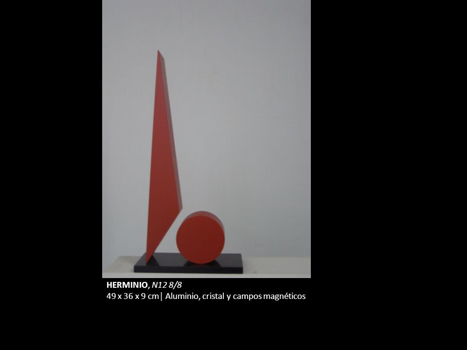 HERMINIO, N12 8/8 49 x 36 x 9 cm│ Aluminio, cristal y campos magnéticos