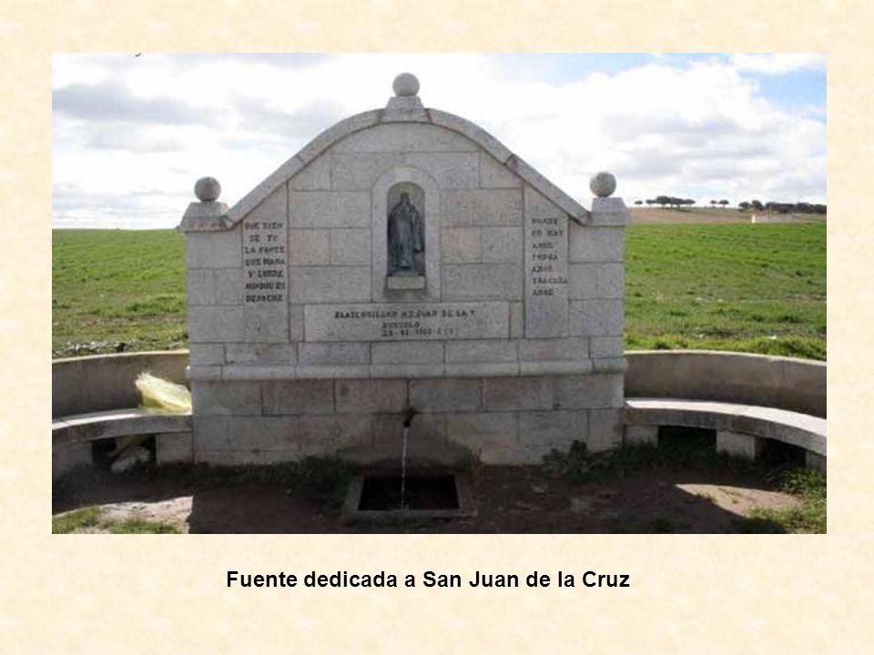 Fuente dedicada a San Juan de la Cruz