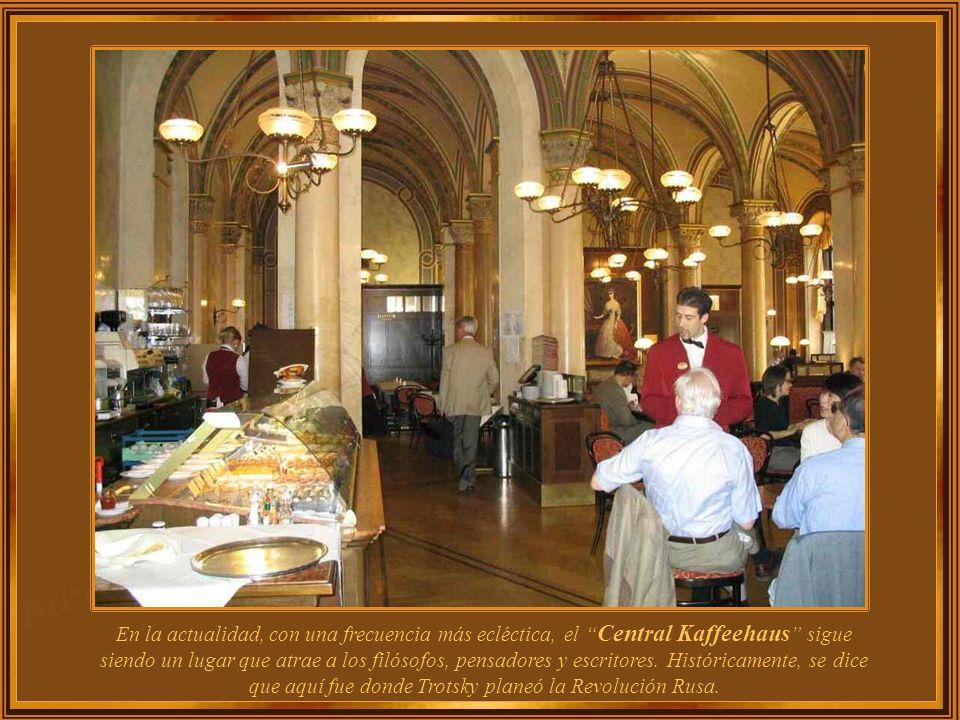 En la actualidad, con una frecuencia más ecléctica, el Central Kaffeehaus sigue siendo un lugar que atrae a los filósofos, pensadores y escritores.