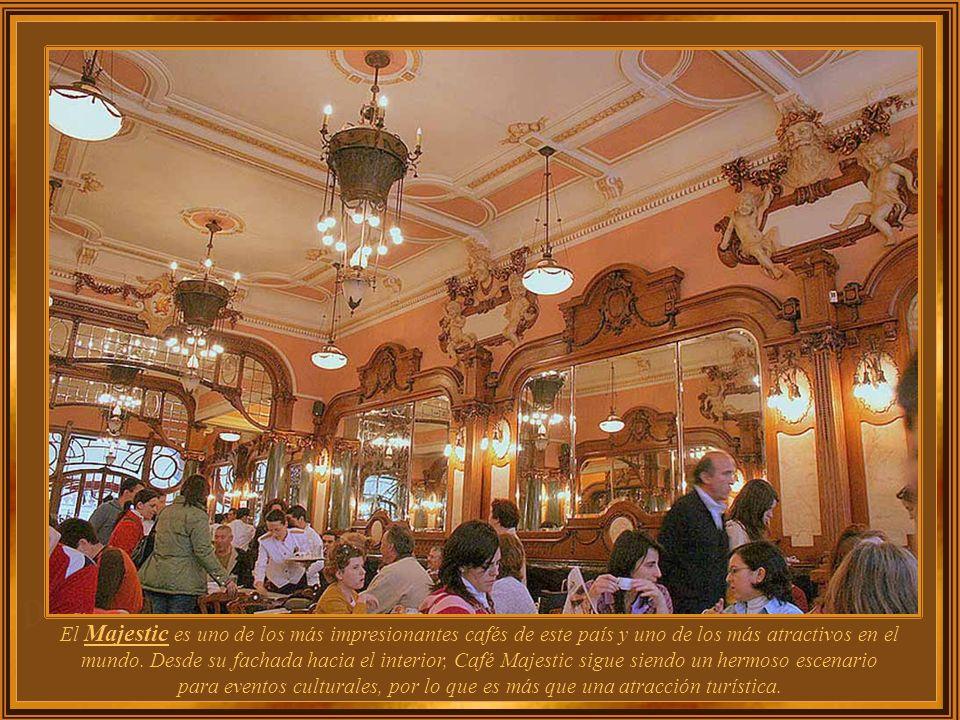 El Majestic es uno de los más impresionantes cafés de este país y uno de los más atractivos en el mundo.