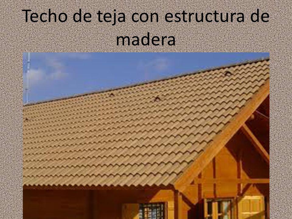 Techo de teja con estructura de madera