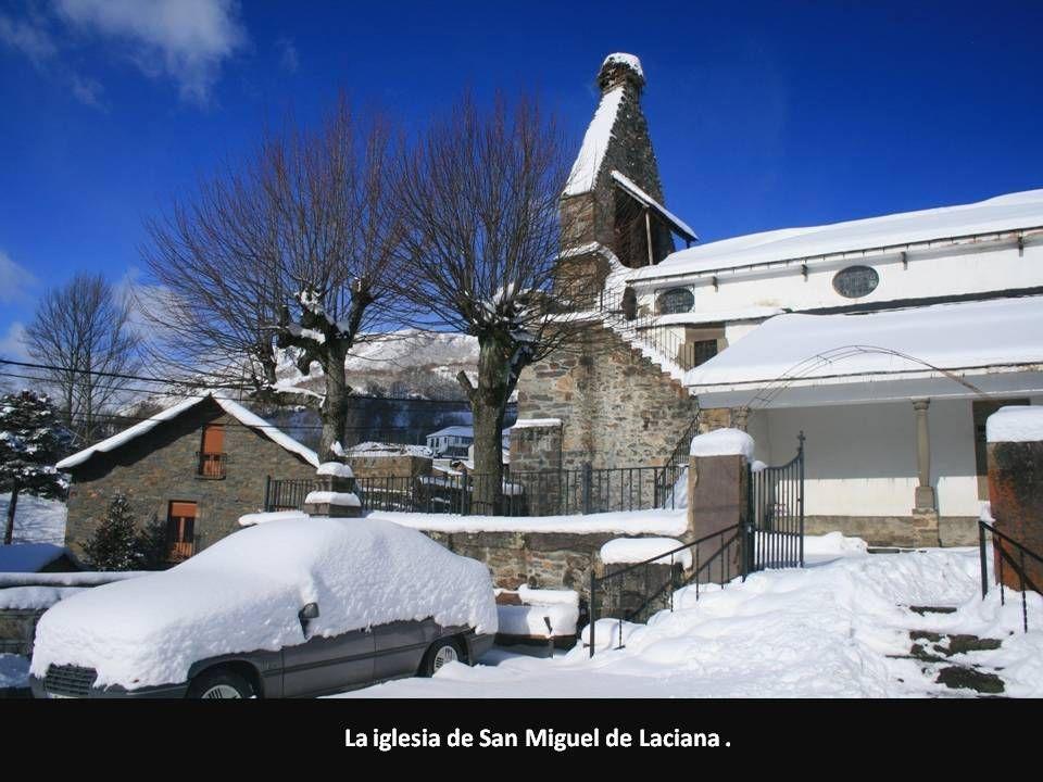 La iglesia de San Miguel de Laciana .