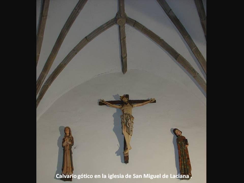 Calvario gótico en la iglesia de San Miguel de Laciana .