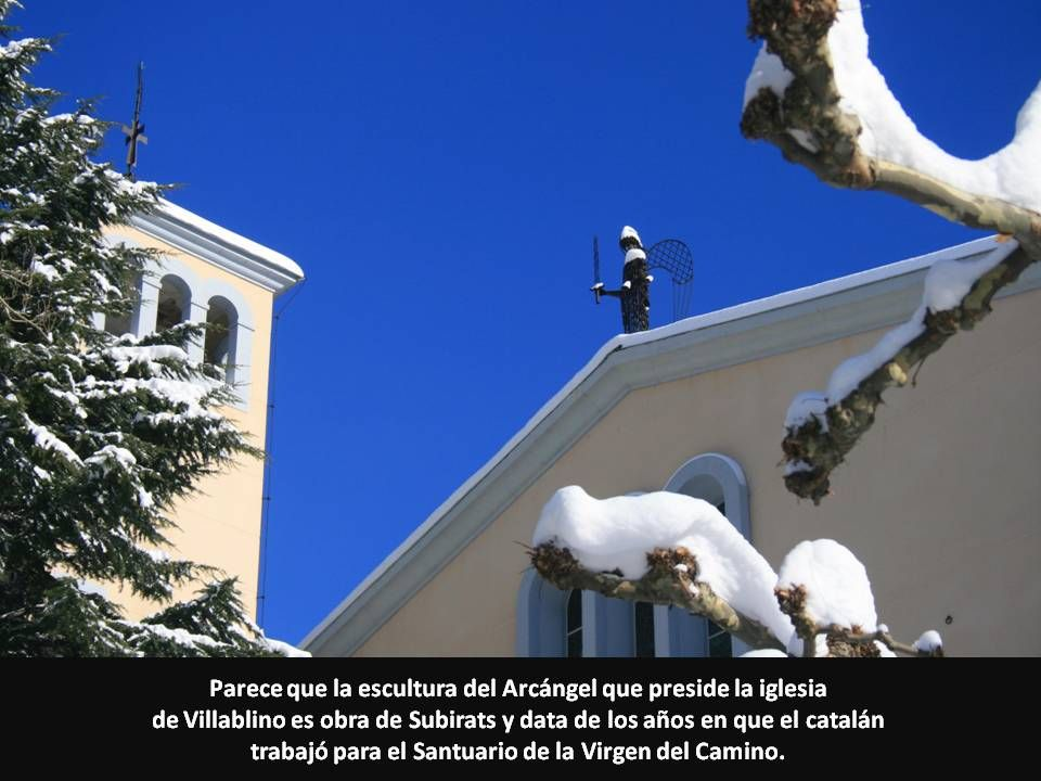 Parece que la escultura del Arcángel que preside la iglesia