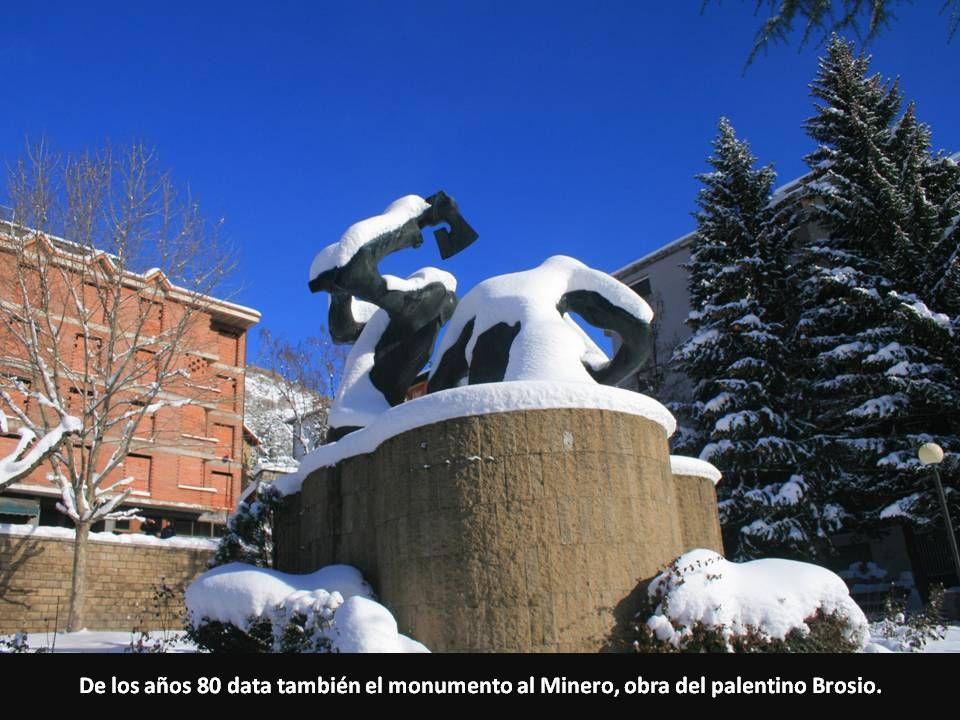 De los años 80 data también el monumento al Minero, obra del palentino Brosio.