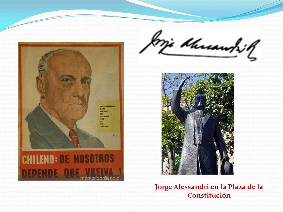 Jorge Alessandri en la Plaza de la Constitución