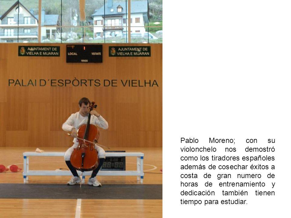 Pablo Moreno; con su violonchelo nos demostró como los tiradores españoles además de cosechar éxitos a costa de gran numero de horas de entrenamiento y dedicación también tienen tiempo para estudiar.