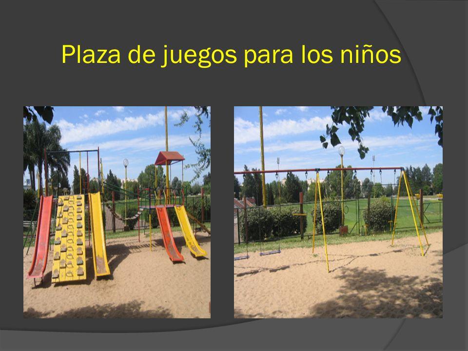 Plaza de juegos para los niños