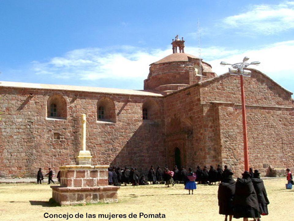 Concejo de las mujeres de Pomata