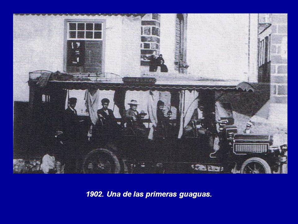1902. Una de las primeras guaguas.