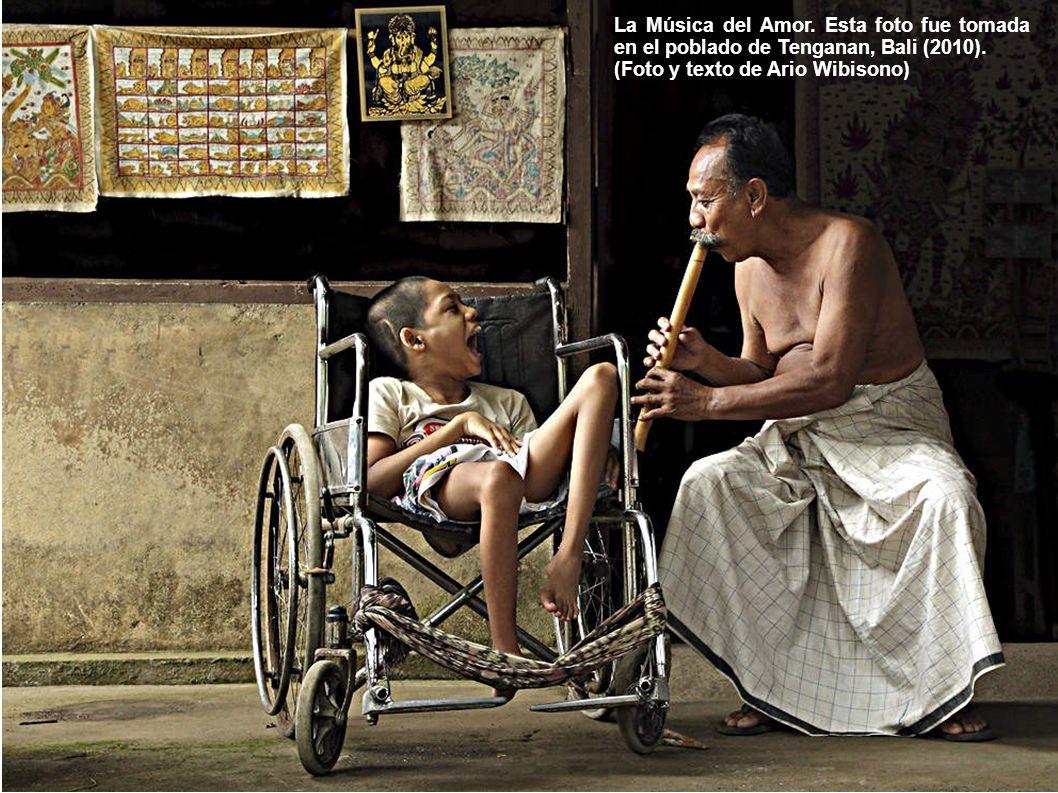 La Música del Amor. Esta foto fue tomada en el poblado de Tenganan, Bali (2010).