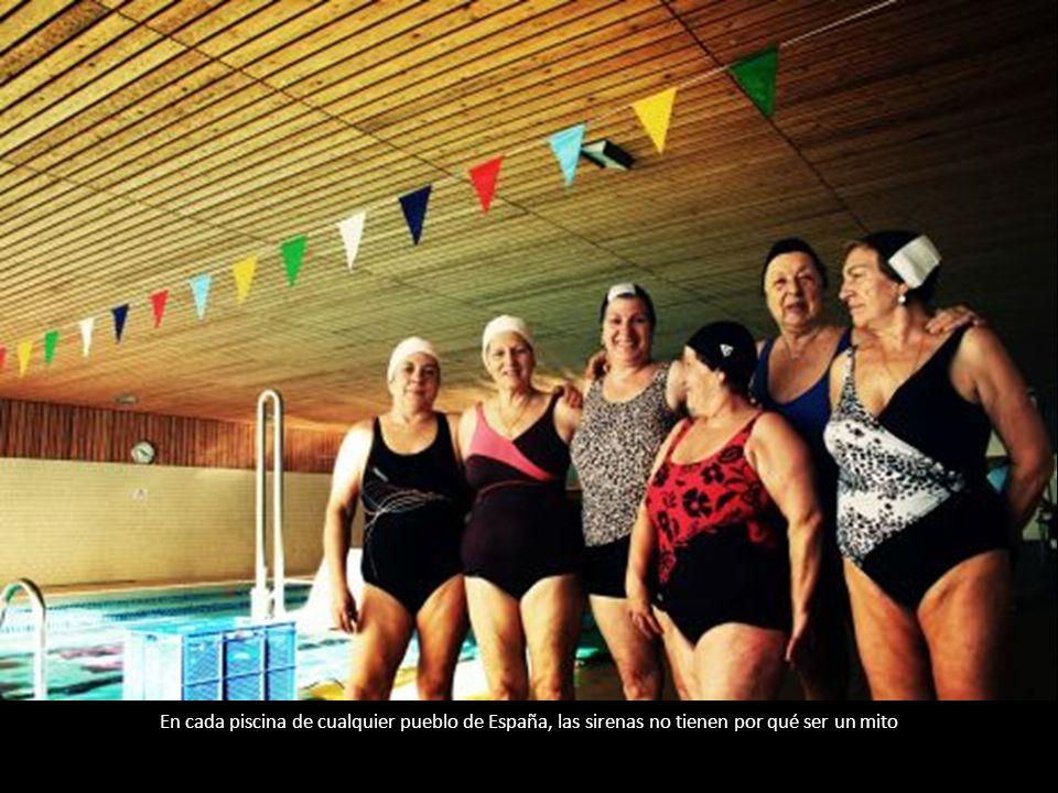 En cada piscina de cualquier pueblo de España, las sirenas no tienen por qué ser un mito
