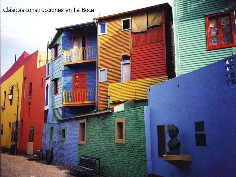 Clásicas construcciones en La Boca