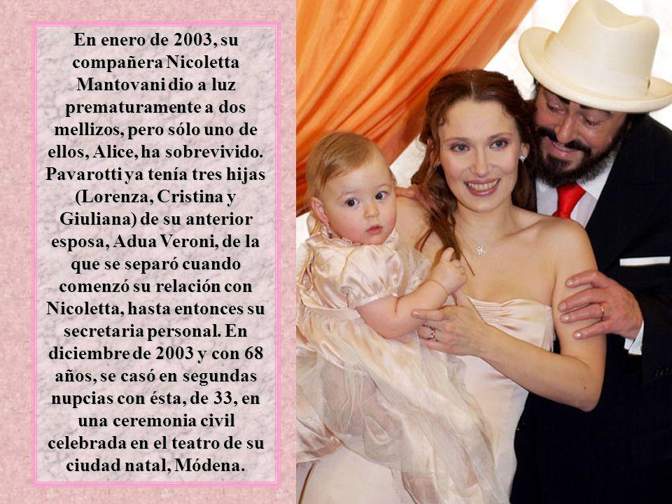 En enero de 2003, su compañera Nicoletta Mantovani dio a luz prematuramente a dos mellizos, pero sólo uno de ellos, Alice, ha sobrevivido.