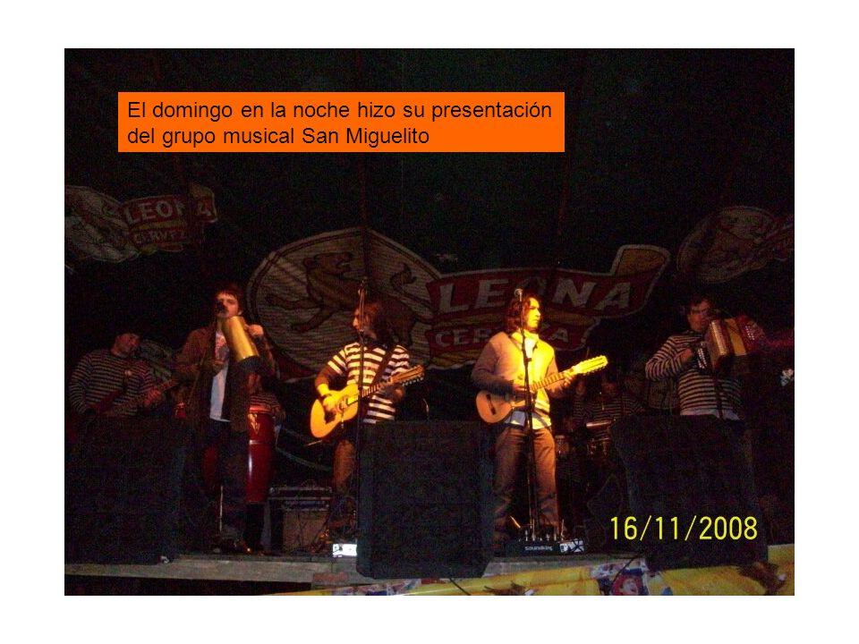 El domingo en la noche hizo su presentación del grupo musical San Miguelito