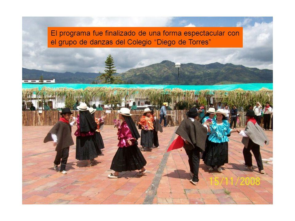 El programa fue finalizado de una forma espectacular con el grupo de danzas del Colegio Diego de Torres