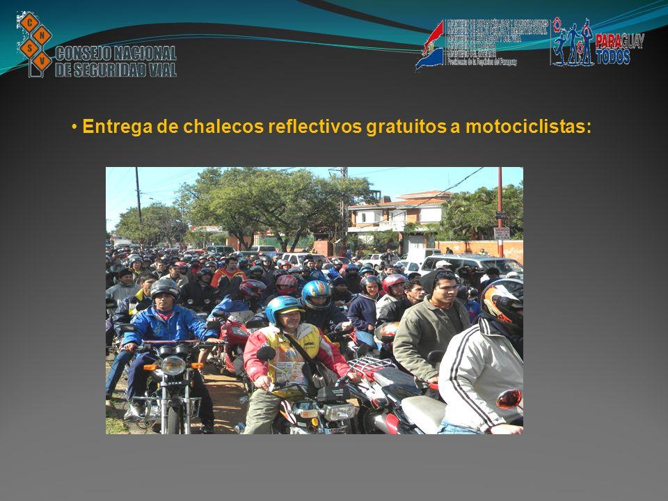 Entrega de chalecos reflectivos gratuitos a motociclistas: