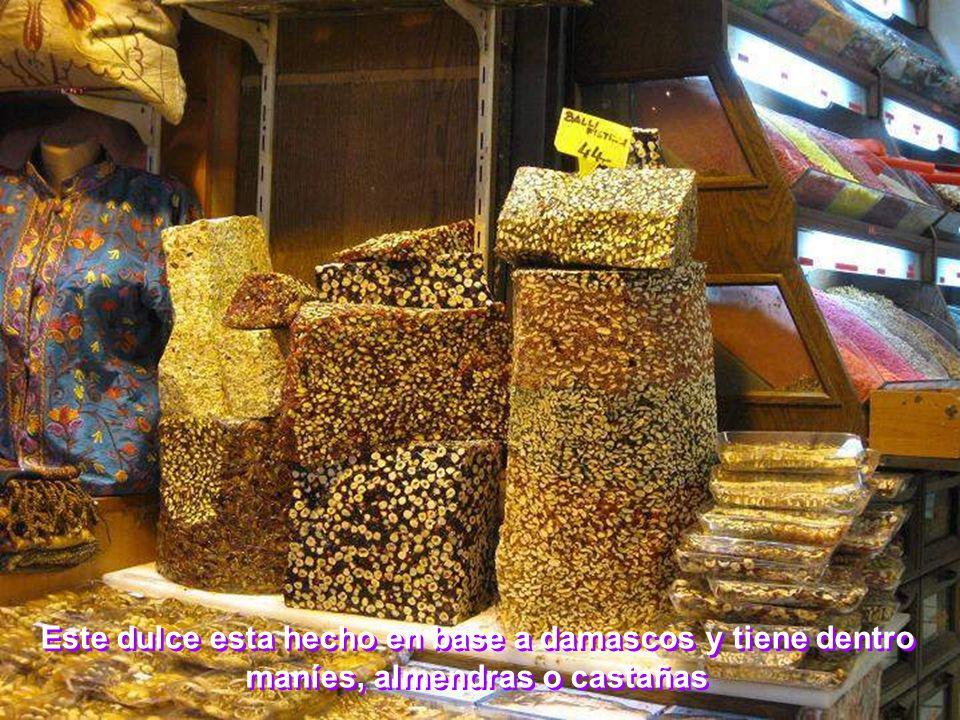 Este dulce esta hecho en base a damascos y tiene dentro maníes, almendras o castañas