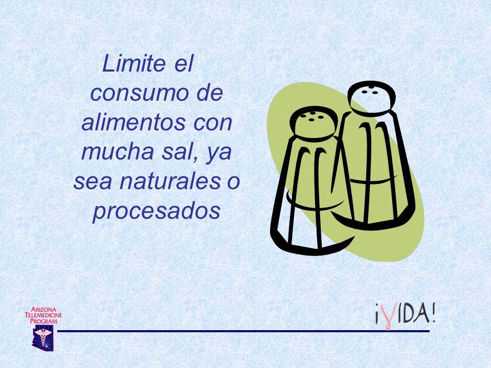 Limite el consumo de alimentos con mucha sal, ya sea naturales o procesados