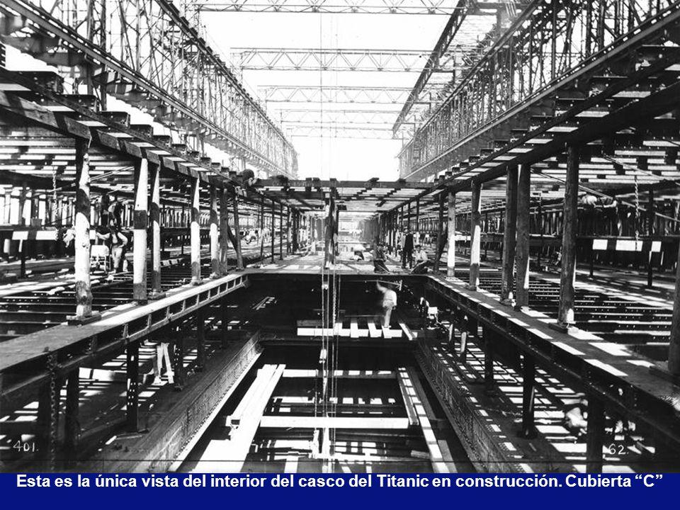 Esta es la única vista del interior del casco del Titanic en construcción. Cubierta C