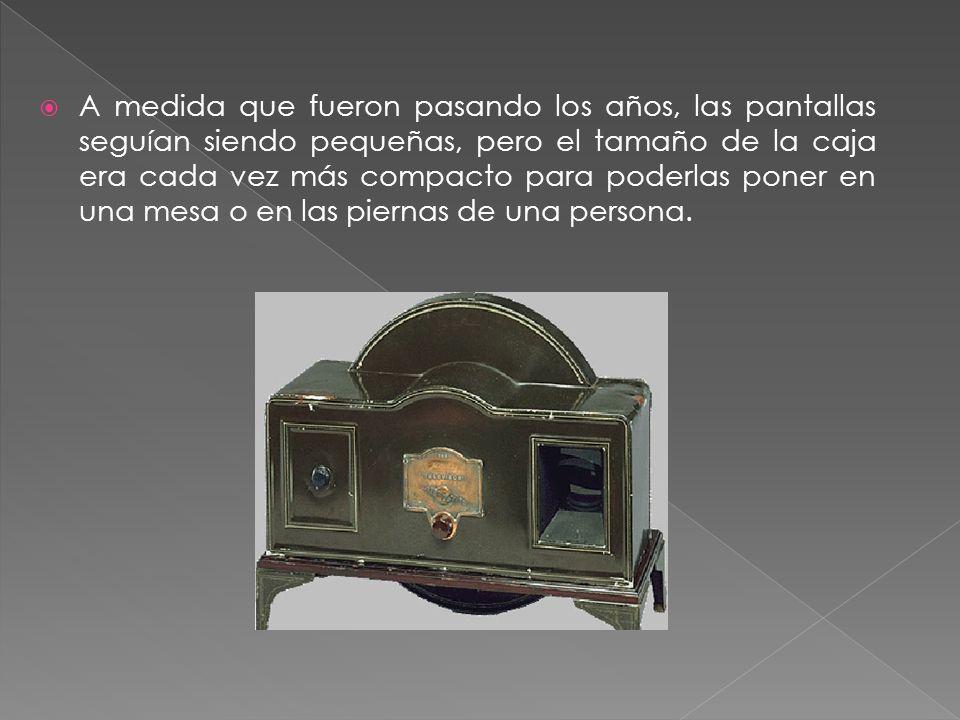 A medida que fueron pasando los años, las pantallas seguían siendo pequeñas, pero el tamaño de la caja era cada vez más compacto para poderlas poner en una mesa o en las piernas de una persona.
